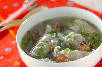 アサリと水餃子のスープ