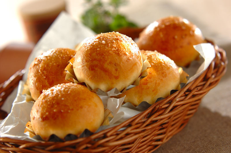 【手作りパンの10レシピ】おうちで焼きたてホカホカが楽しめる!