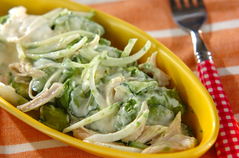 鶏ささみとアボカドのサラダ
