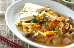 鮭と野菜のみそ蒸し煮