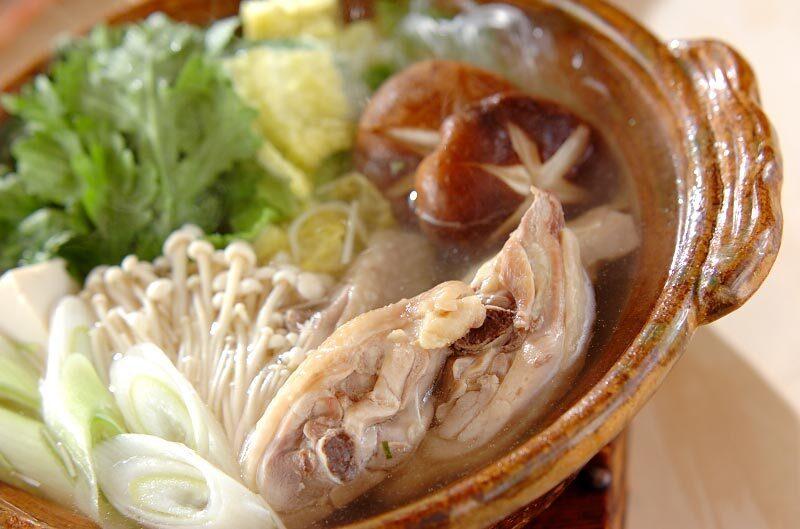 鶏肉から旨み溶けだすスープが決め手!博多風の水炊きのレシピ7選