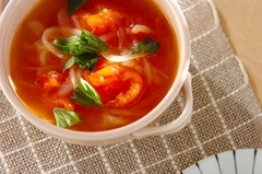 トマトと玉ネギのスープ