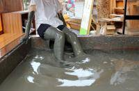 有明湾の泥につかれるプール