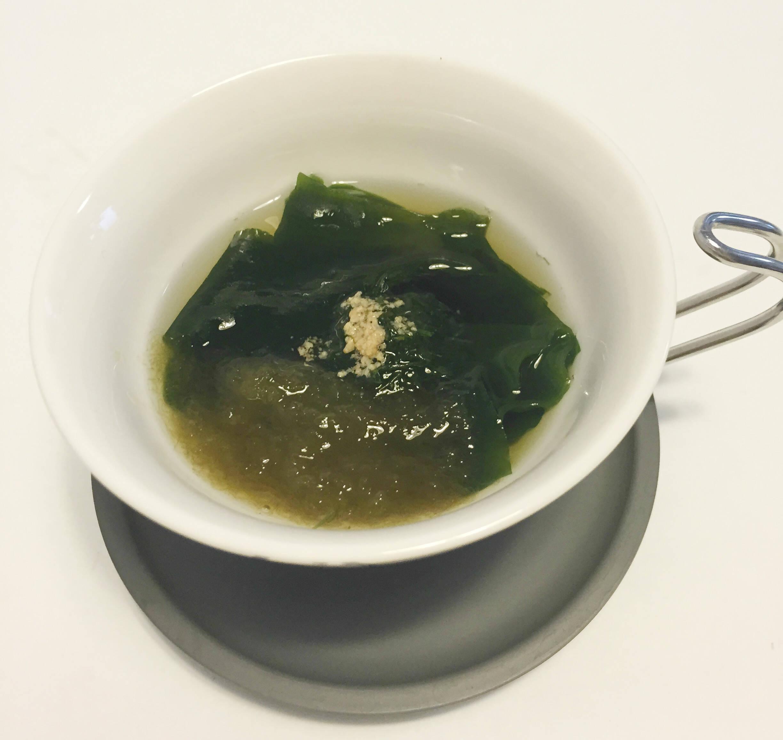 わかめととろろ昆布のスープ
