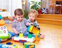 「友達のおもちゃ取っちゃダメ!」はNG!? 1歳前後の子を持つママが実践したい対処法とは?