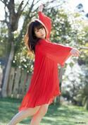 欅坂46・齋藤冬優花、赤いワンピースで華麗に舞う グラビアでダンスを表現
