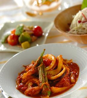 カレー風味のイカとトマトのサッと煮の献立