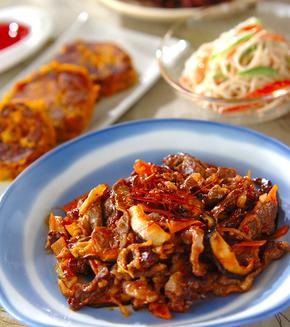 牛肉とキムチの炒め物の献立