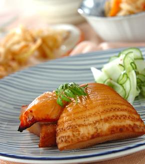 タケノコと鮭の重ね焼きの献立