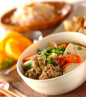 肉団子と野菜の煮物の献立