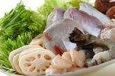 熱々海鮮鍋の作り方1
