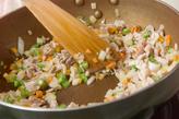卵の混ぜ混ぜオムライスの作り方1