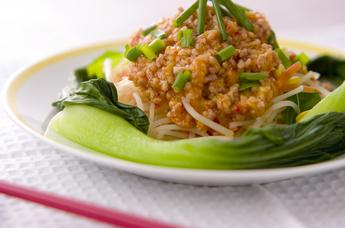 野菜ピリ辛ひき肉ソース