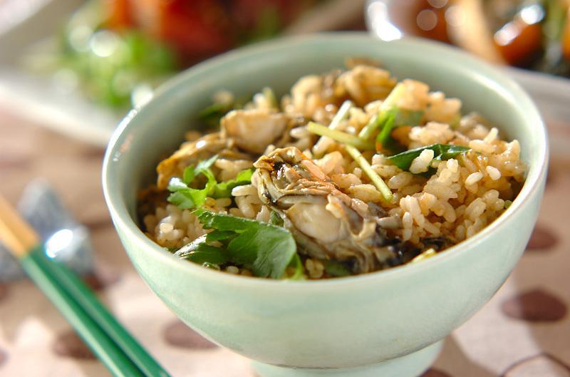 簡単なのにご馳走!牡蠣の炊き込みご飯の作り方・アレンジ集