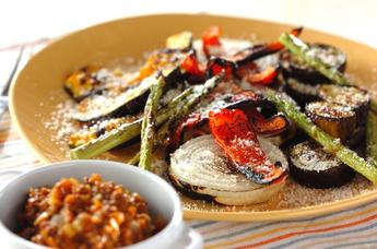 焼き野菜のたっぷりミートソース添え
