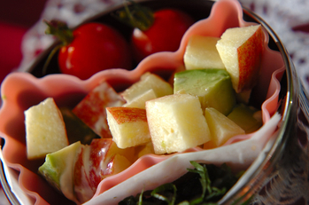 アボカドとリンゴのサラダ