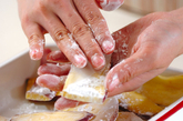 サツマイモのゴマ揚げの作り方1