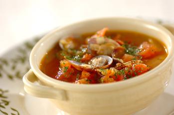トマトとアサリのスープ