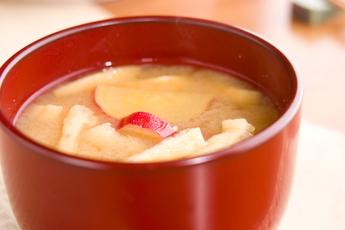 サツマイモのみそ汁