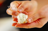 シリアルチーズボールの作り方2