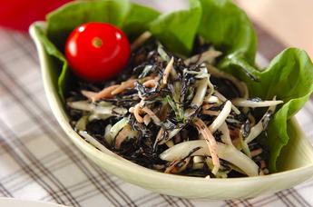 芽ヒジキの彩りサラダ