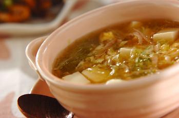 レタスとハムの卵スープ