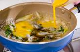カキとネギの卵とじの作り方3