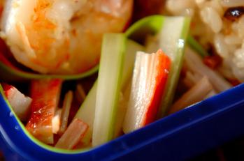 セロリとカニ風味カマボコの中華和え