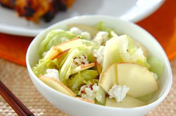 リンゴとカッテージチーズのサラダ