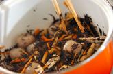 ヒジキとコンニャクの煮物の作り方1