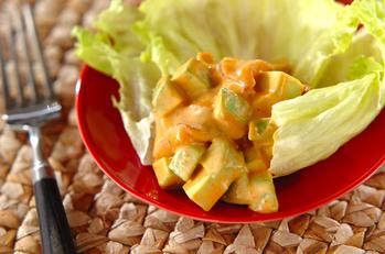 マグロとアボカドの韓国風サラダ