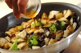 ナスとブロッコリーのピリ辛炒めの作り方3