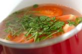 トマトのみそスープの作り方1