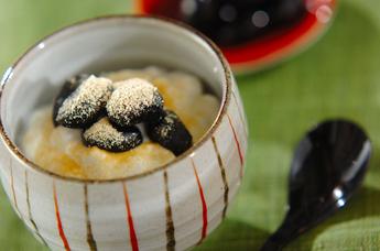 ヨーグルトの黒豆きな粉