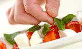 カプリ風サラダの作り方2