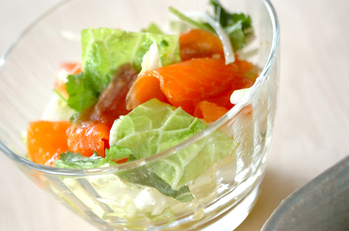 スモークサーモンと白菜のサラダ