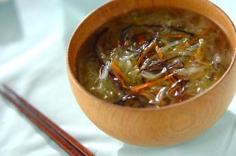 せん切りキャベツの中華スープ