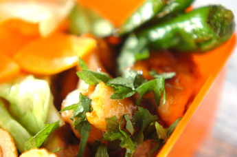 鶏とシシトウの梅照り焼き