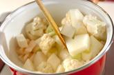 カリフラワーのスープ煮の作り方1