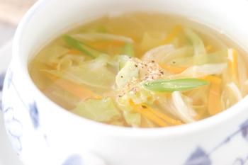 キャベツのせん切りスープ