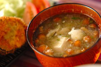 豆腐とナメコのおろし汁