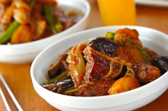 骨付き豚バラ肉と野菜の甘辛煮
