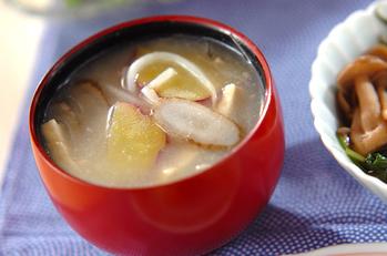 サツマイモとゴボウのみそ汁