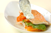 蒸し鮭のサワーソースとアンチョビキャベツの作り方5