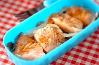 サーモンとキノコのレンジ蒸し