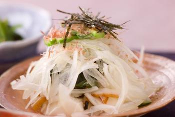 豆腐と玉ネギのサラダ