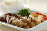 キノコの長芋和えの下準備1
