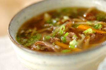せん切りゴボウのスープ