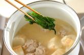 鶏団子の白みそ汁の作り方4
