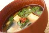 豆腐と菊菜のみそ汁